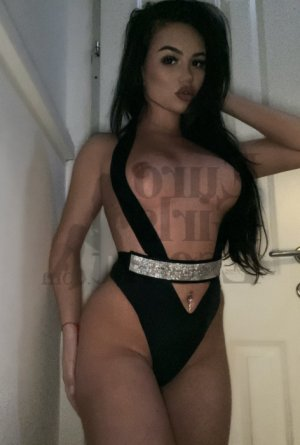 Mellissa escort in Snyder TX & nuru massage