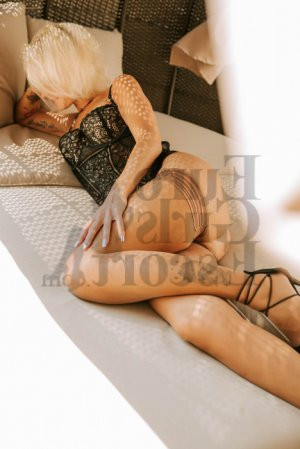 Annicia live escort in Onalaska and nuru massage