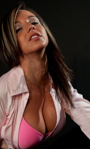 Mirentxu erotic massage and escort girl